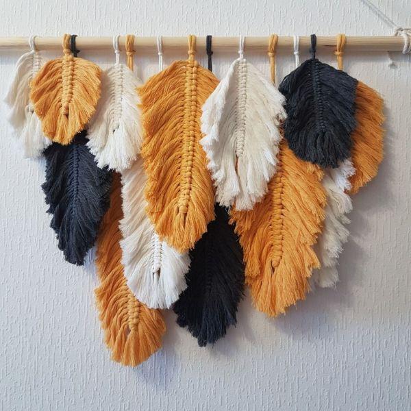 Панно макраме перья